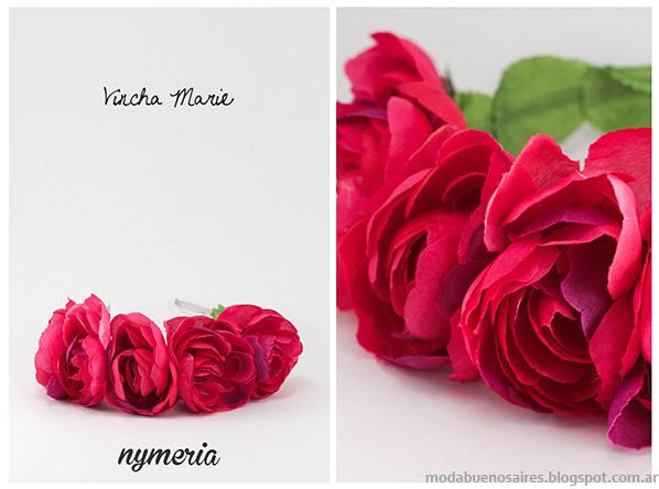 Vinchas con flores 2014. Accesorios 2014. Moda Nymeria primavera verano 2014.