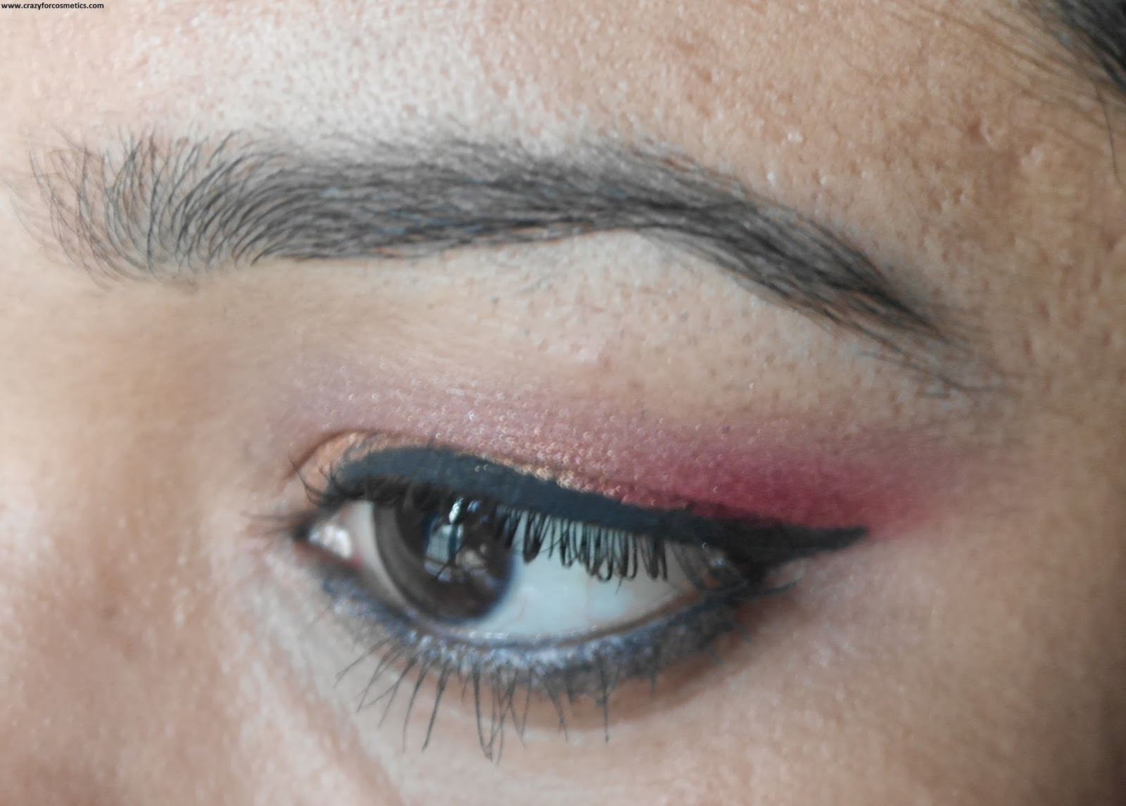 NYX single eyeshadow 109 sunrise swatches on eyes eyemakeup