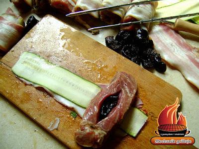 Nadziewane roladki wieprzowe Mechanik grilluje w kuchni karkówka śliwka boczek cukinia marynata do karkówki
