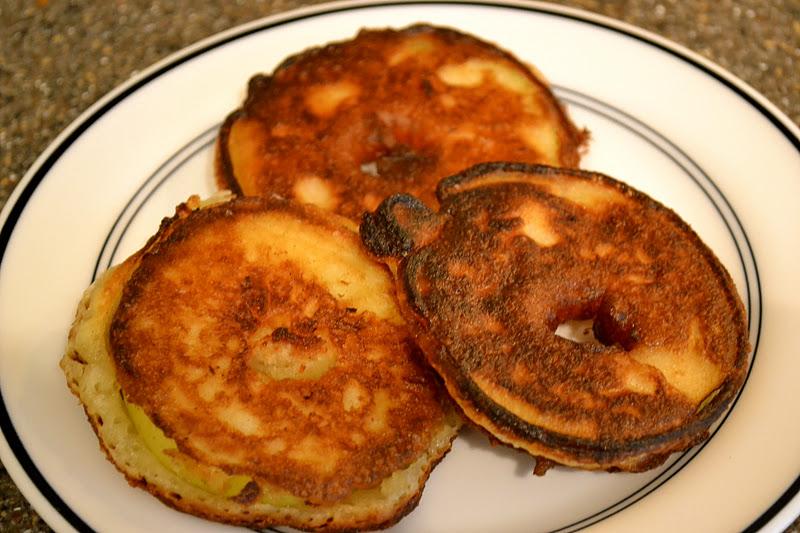 savory style: Pancake Fried Apple Rings