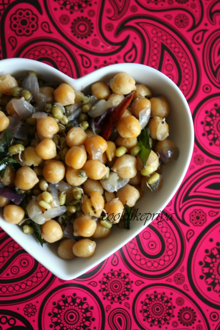 Cook like priya chickpeas sprouted green gram sundal healthy chickpeas sprouted green gram sundal healthy indian snack recipe protein rich snack recipe forumfinder Images
