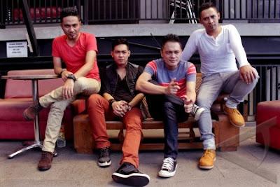 ADA+Band+ +Intim+Berdua Chart Lagu Indonesia Terbaru Agustus 2013 | Dahsyat RCTI