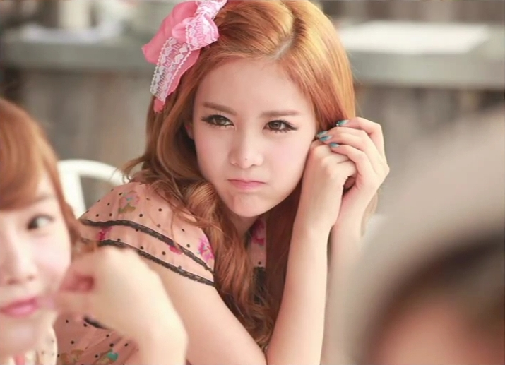 crying, it's Qri Day!