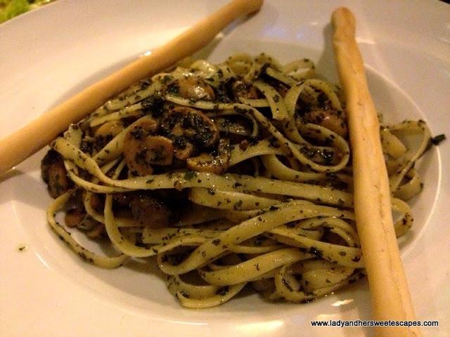 Cafe 1925 Pesto Spaghetti