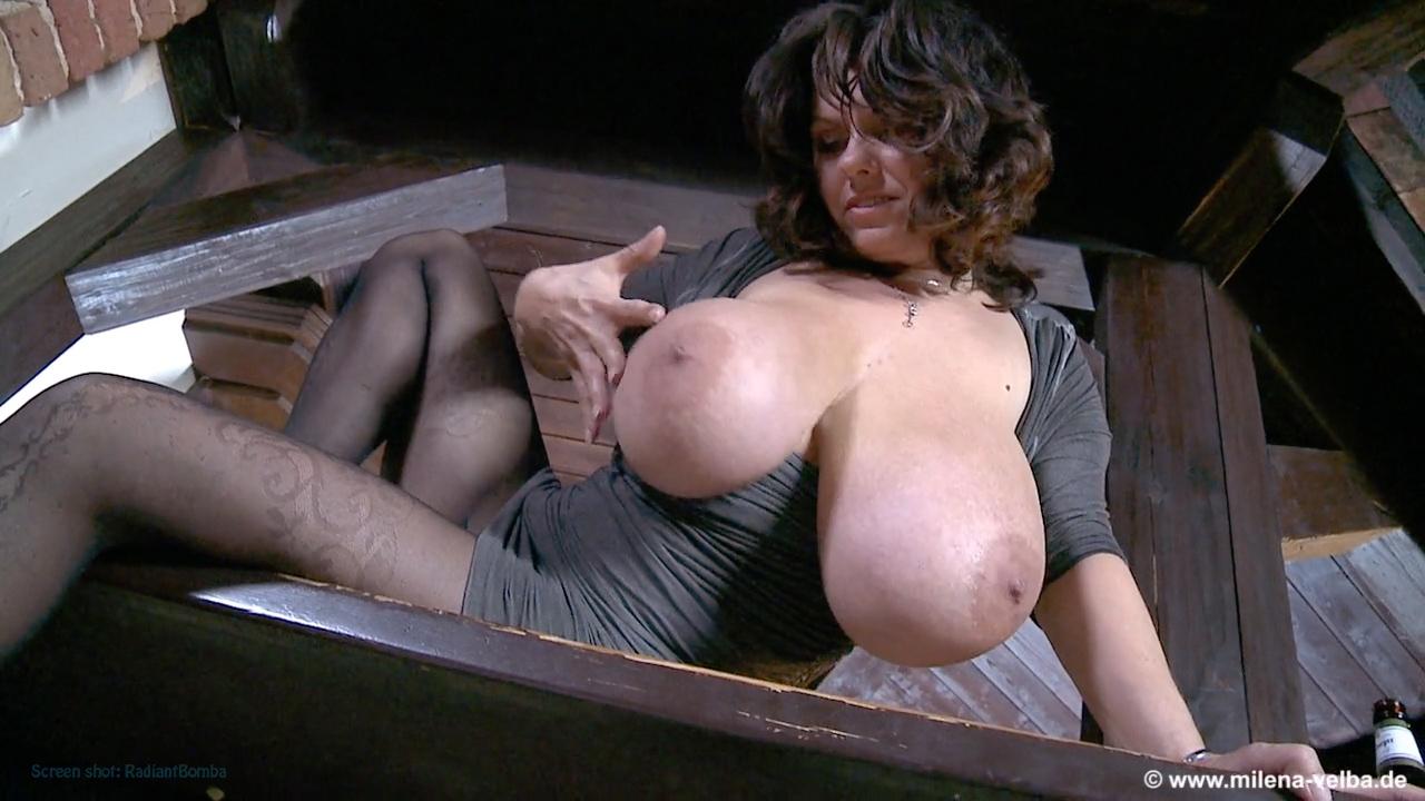 Clip giga mature porn vids