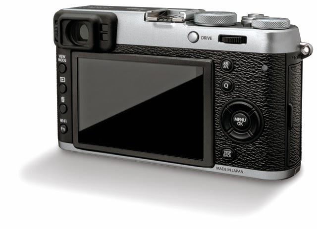 Il monitor e il dorso della Fujifilm X100T