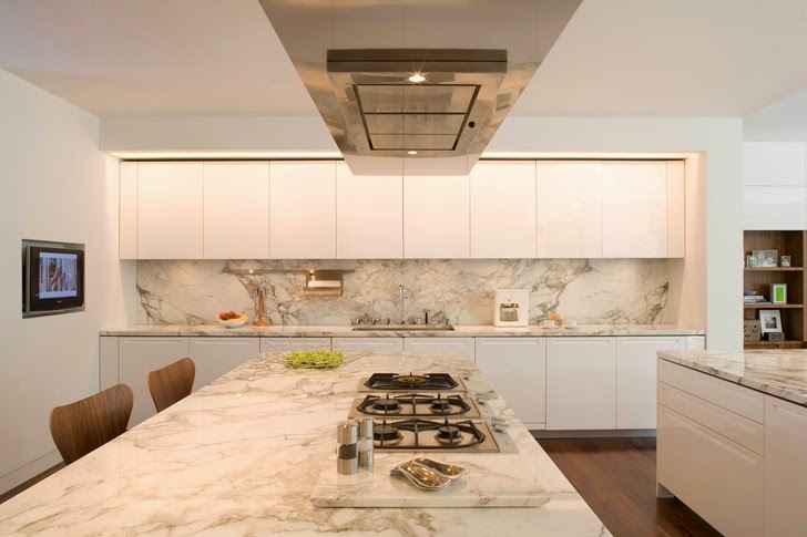 Marble kitchen in Beautiful house by Belzberg Architects Group