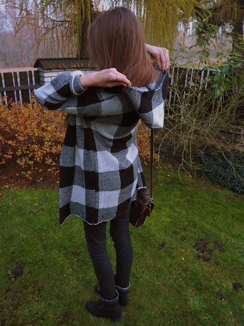 sweterek w kratkę, stylizacja vubu