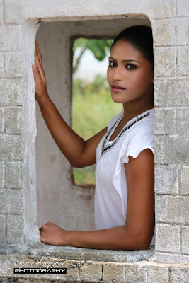 Srilankan actress hot pics