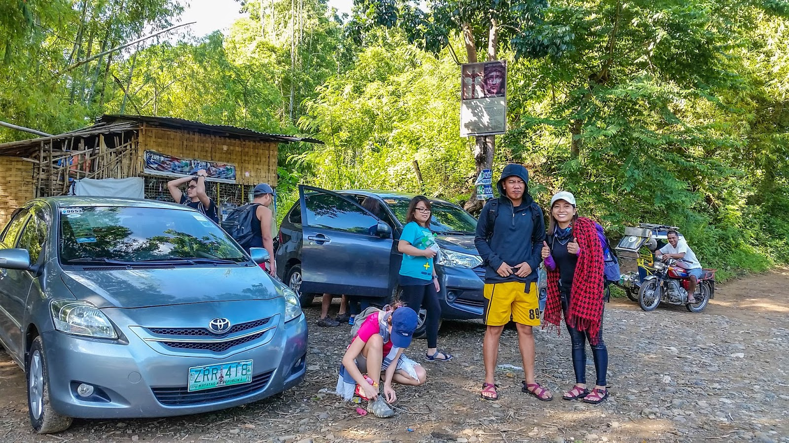 Ikalahan journey to mt manalmon the team in one of the parking space near the registration point thecheapjerseys Images