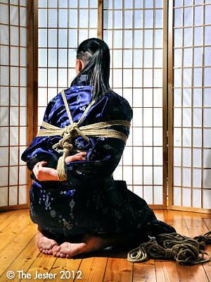 Inspiriert von klassischen Shibari-Aufahmen