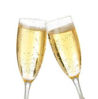http://3.bp.blogspot.com/-MJuKZ-CImeY/Txm9NNR-KYI/AAAAAAAAFFM/dIaz1xn0OgE/s1600/champagne_glasses-1.jpg