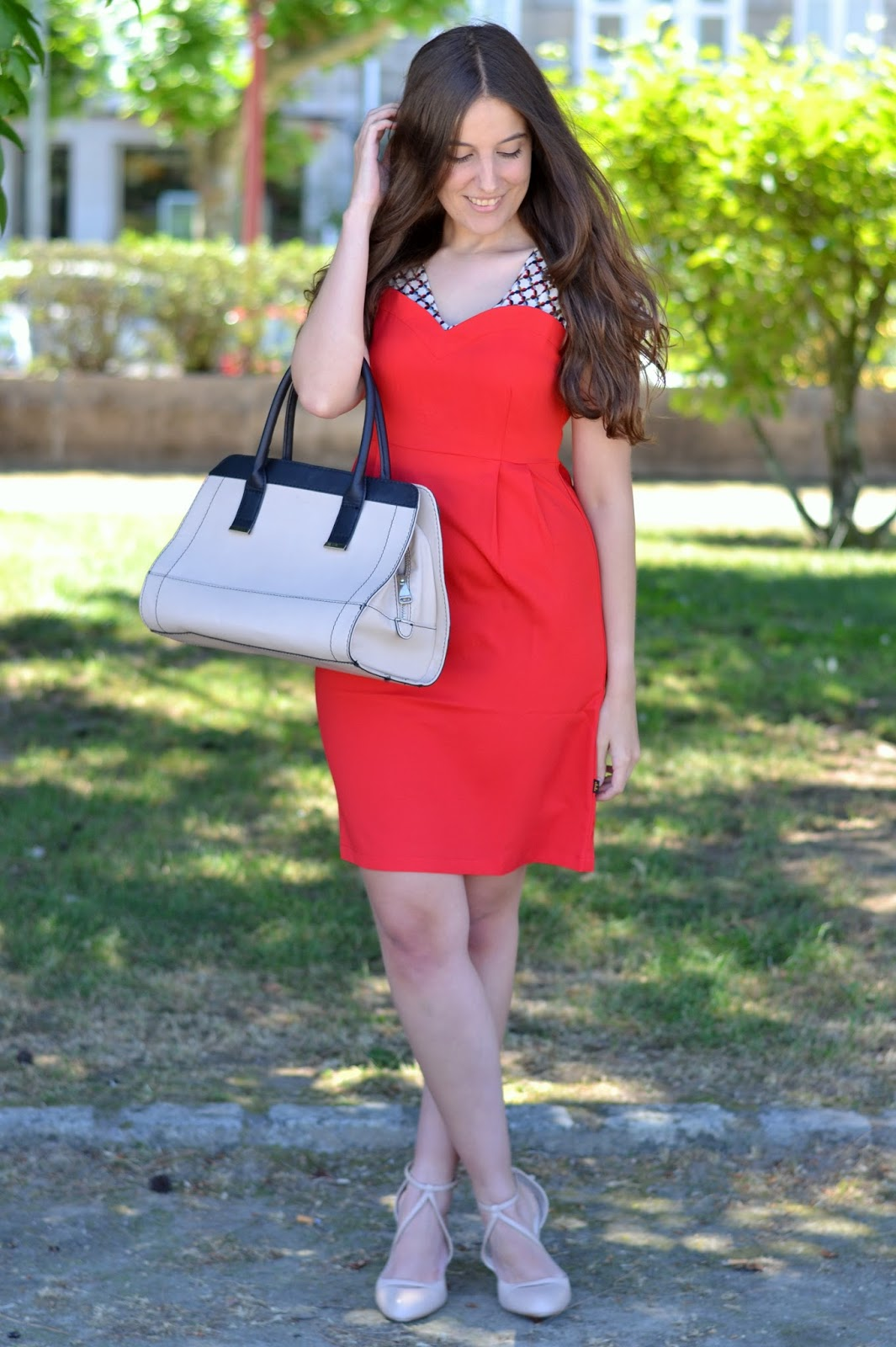 outftis red dress, beige bag and heels
