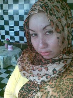 Malay women – MILF tetek besar x sedar diri malu