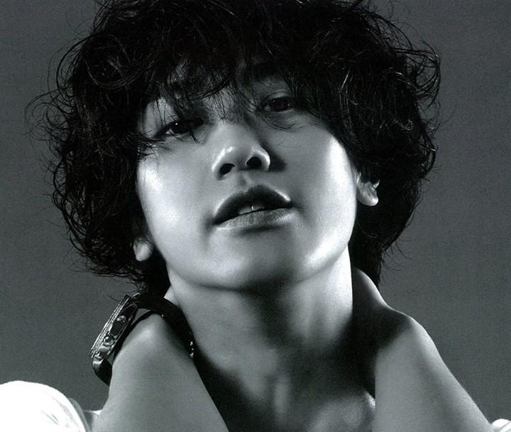 http://3.bp.blogspot.com/-MKlxHqcao_M/Ugt7pSSVtDI/AAAAAAAAJpc/ri5gUPT1OKc/s1600/%5BBOOKLET%5D+Jin+Akanishi+-+Hey+What%27s+Up+(12).jpg