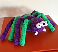 http://www.ravelry.com/patterns/library/halloween-spider-5