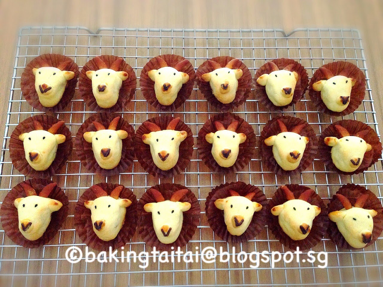 http://bakingtaitai.blogspot.sg/2015/02/cheesy-pineapple-tarts-goat-shaped.html