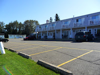 Ample parking Quality Inn Pres du Lac in St Andre
