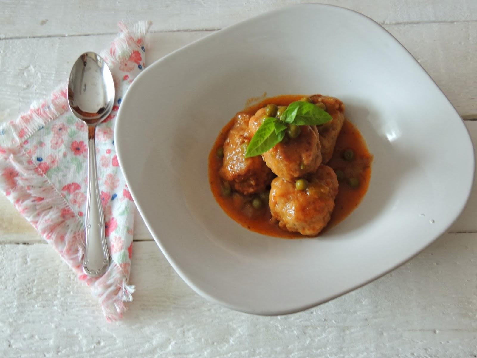 Alb ndigas de pollo ligeras en salsa de pedro xim nez - Acompanamiento para albondigas ...