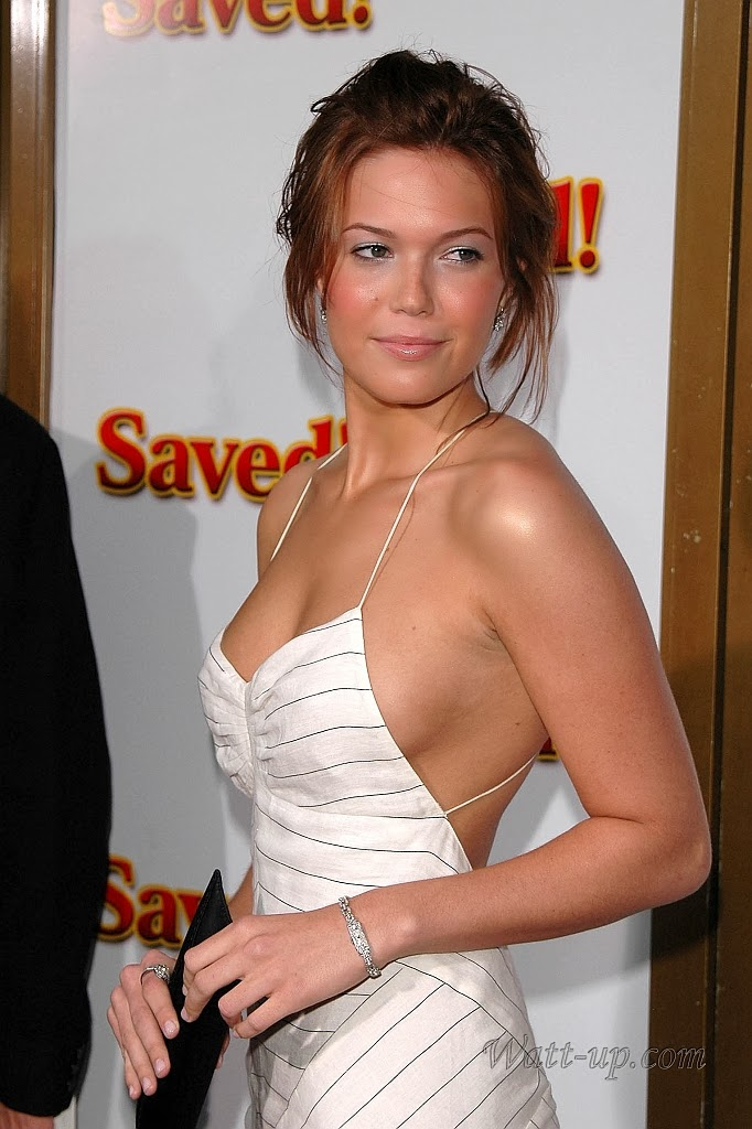 http://www.watt-up.com/j_gallery/Mandy_Moore_1/slides/mandy_moore%20(54).html
