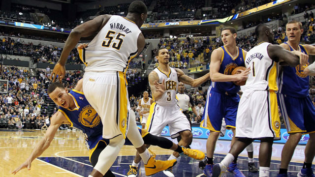 Hibbert tossing Curry