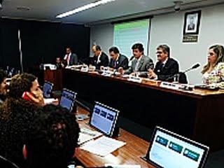 No debate, foram abordados temas como critérios da Organização Mundial de Saúde (Foto: Alexandra Martins)