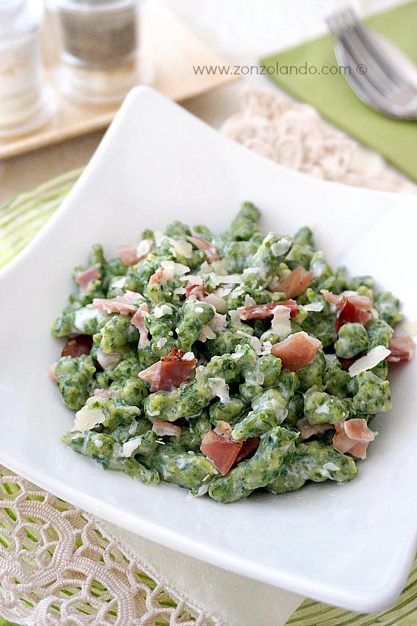 spatzle gnocchetti tedeschi come prepararli in casa ricetta con spinaci buonissima - easy german spatzli spinach gnocchi