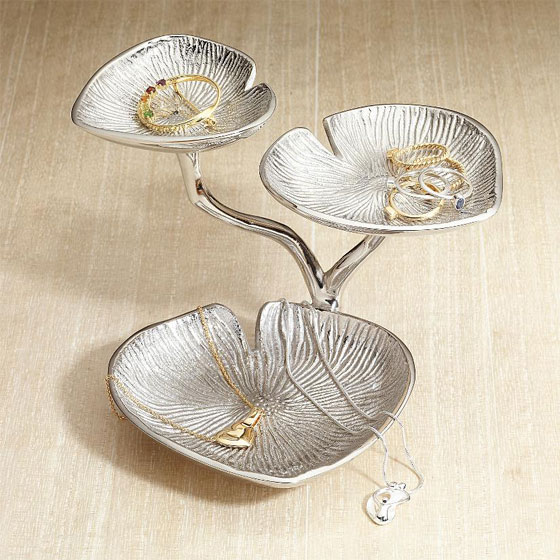 Something Amazing 13 Cool Modern And Stylish Jewelry Stands
