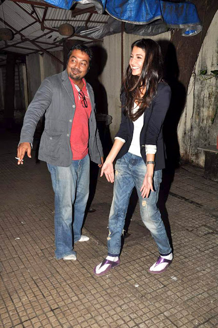 Anushka Sharma, Sonakshi & Anurag watch 'Aiyyaa' at Ketnav