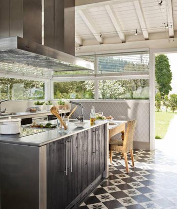 Boiserie c cucine ricavate - Cucina in veranda ...