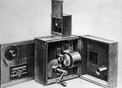 the cinematographe camera and projector designed by the lumiere brothers