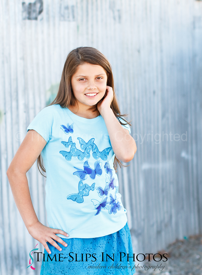 Pretty_girl_in_blue