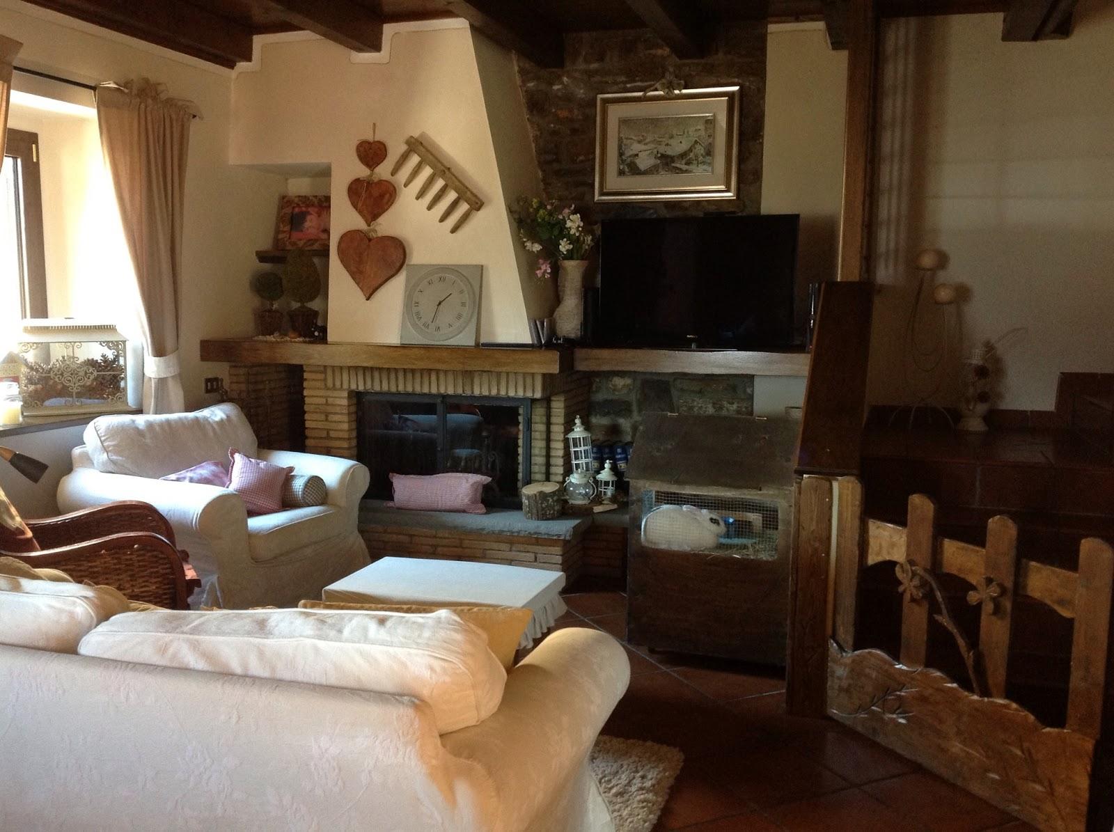 Country the blue dog sartoria d 39 interni arredamento for Arredo casa country