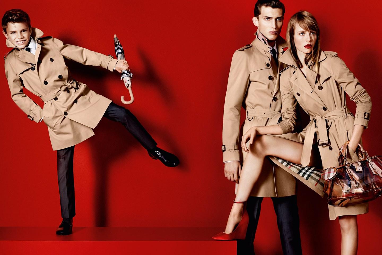 http://3.bp.blogspot.com/-MMKsDVTWUw8/UM9Ut0gdXnI/AAAAAAAAU0Q/83h0RU1o-5Y/s1600/Romeo+Beckham+Burberry+campaign.jpg