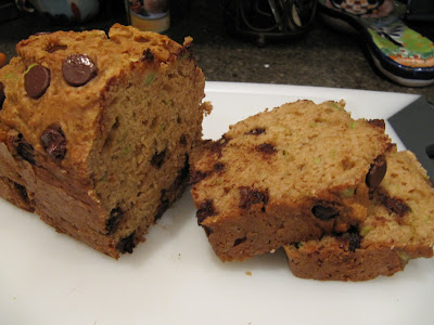 Low-Fat Chocolate Chip Zucchini Bread and more recipes for healthy chocolate zucchini bread on MyNaturalFamily.com #zucchini #chocolate #bread #recipe