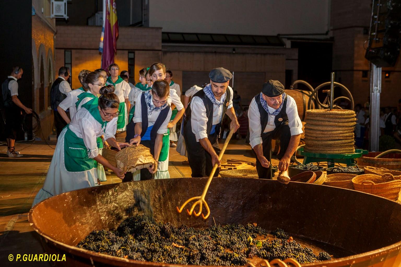 Ofrenda de uvas y primer mosto Jumilla 2014