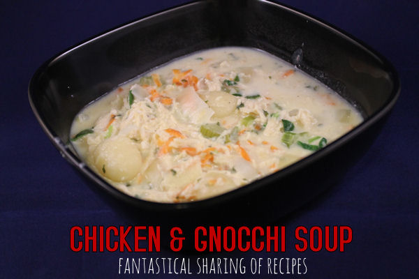 Chicken & Gnocchi Soup - learn how to make this Olive Garden soup at home...and pronounce gnocchi | www.fantasticalsharing.com