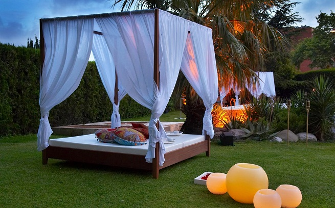 La cama balinesa para el exterior decorar tu casa es for Camas balinesas para jardin