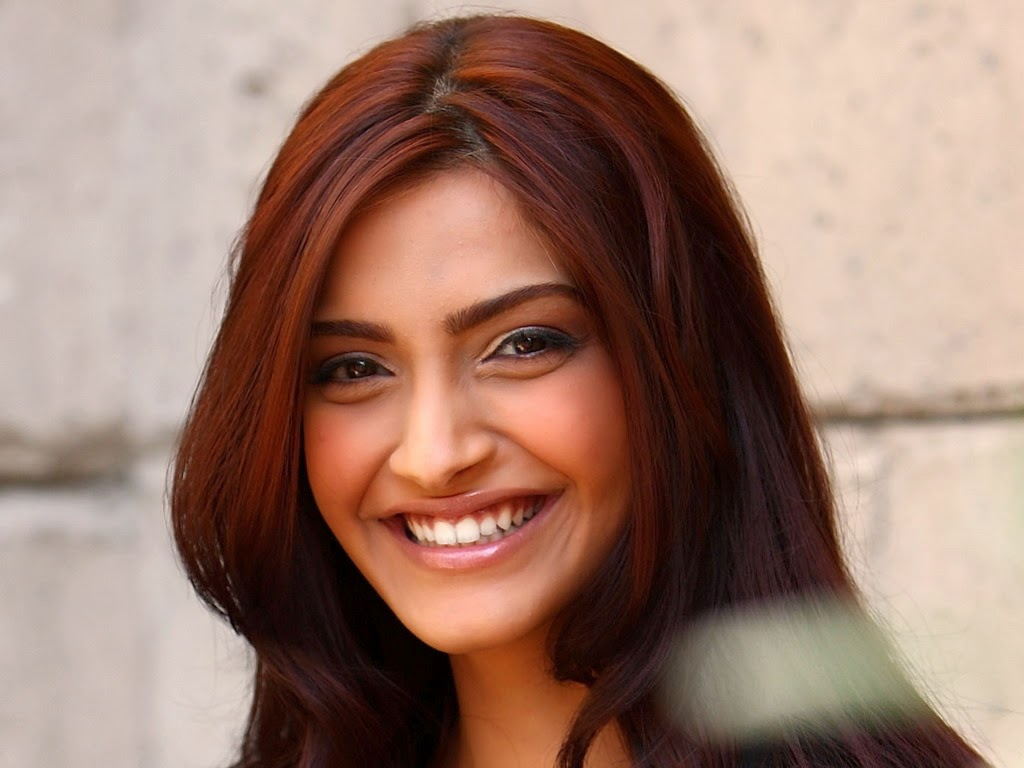 bollywood actress sonam kapoor wallpaper