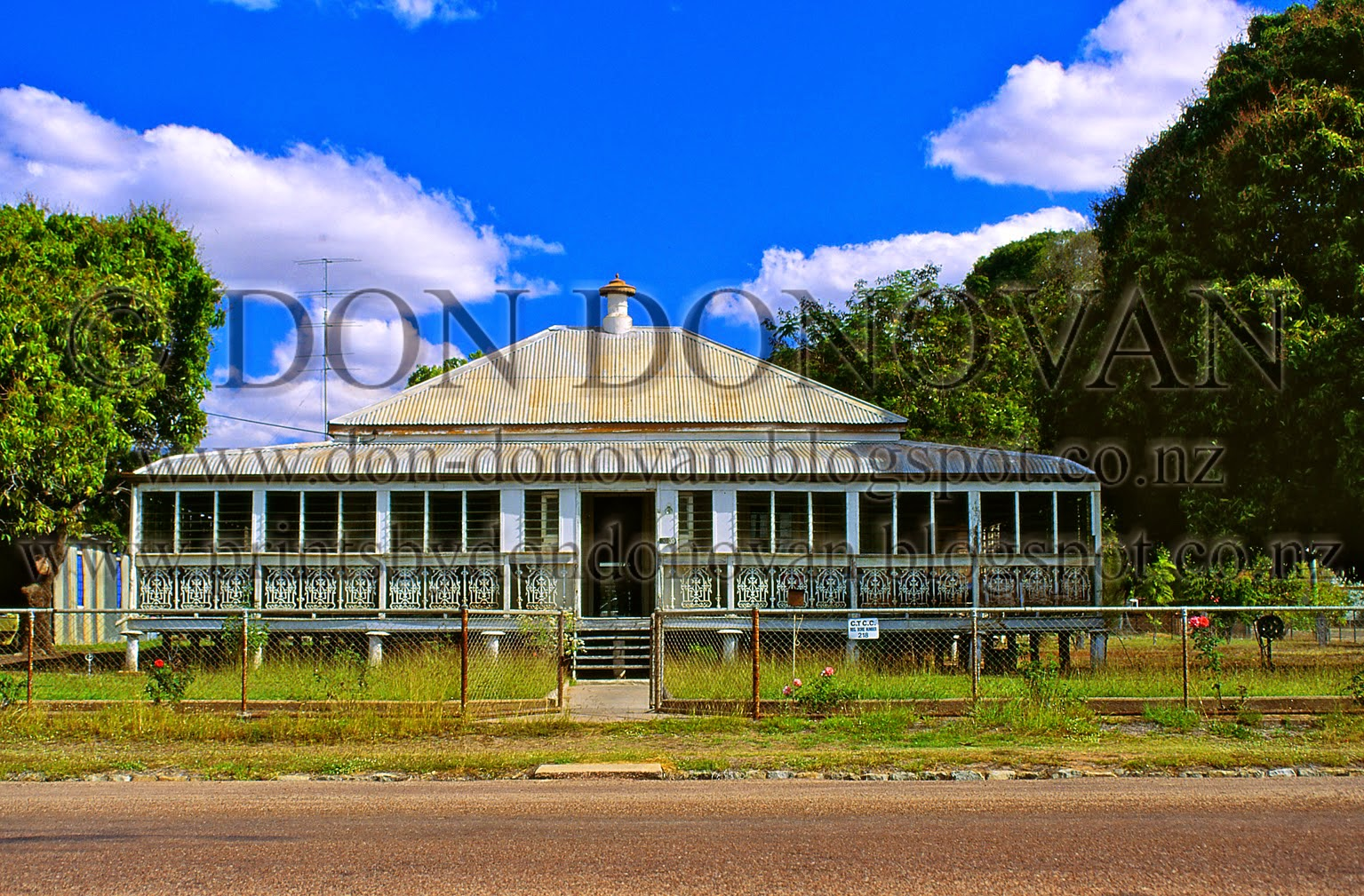 don donovan u0026 39 s world  photoprint for sale  classic queenslander house  charters towers