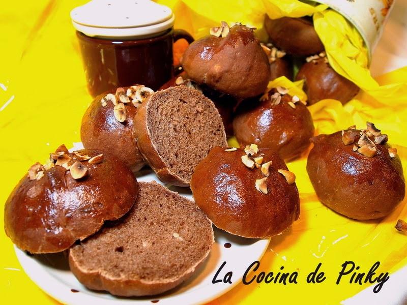 PANECILLOS DE CHOCOLATE Y AVELLANAS  Panecillos+de+chocolate+y+avellanas+2