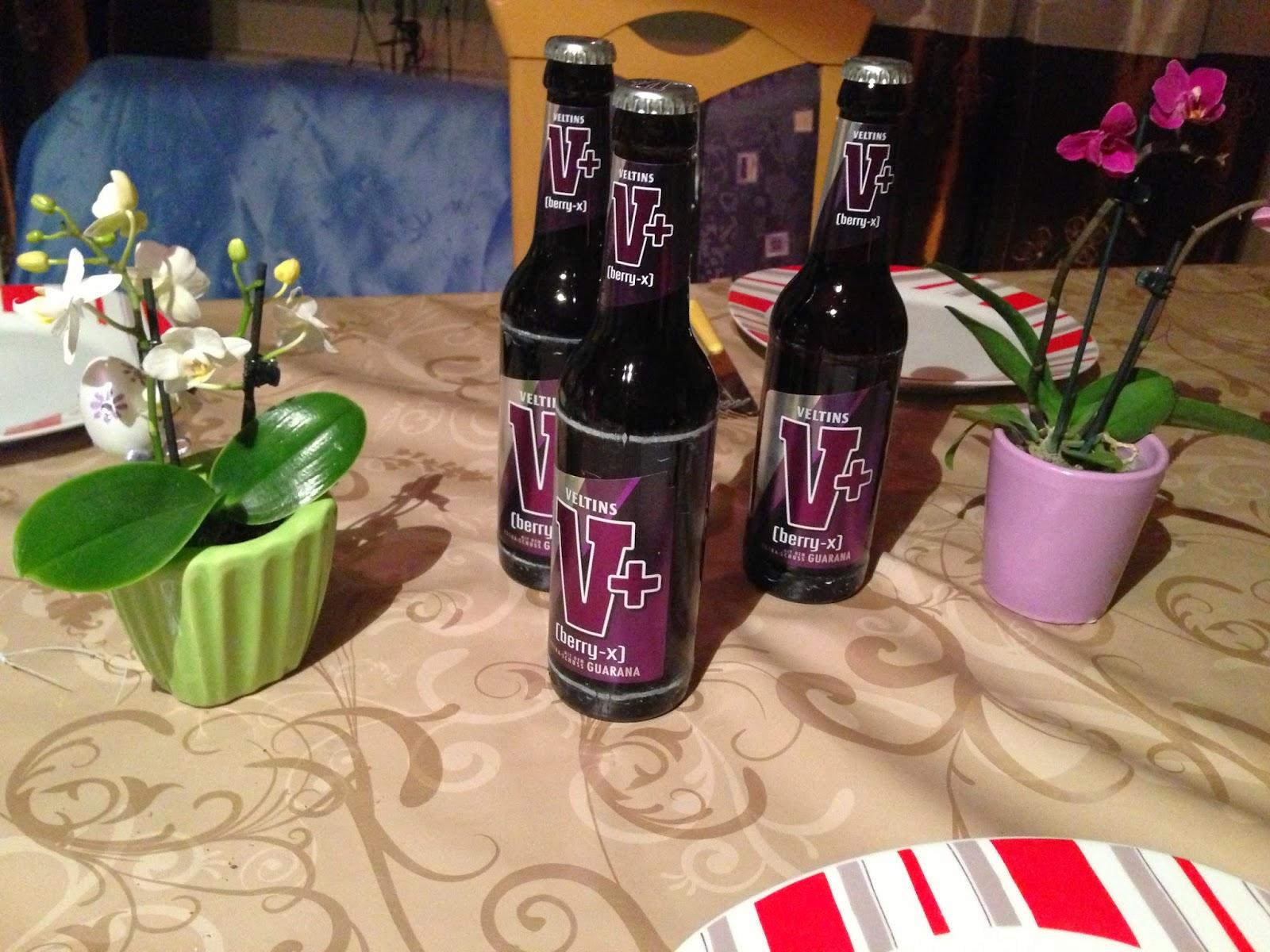 Katja-testet: V+ Berry-X - das neue Biermischgetränk von Veltins im ...