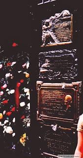 túmulo da Evita no cemitério da Recoleta