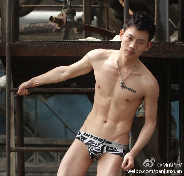 8c1aff29jw1dsq1u2z6t0j Sexy Naked Chinese Stud Jun Xuan Shows off His Hot Asian Cock