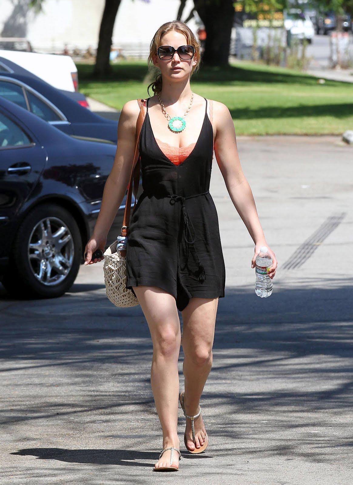 http://3.bp.blogspot.com/-MNOwDePBOfU/UCfq4EAlYkI/AAAAAAAAChA/zRHjckKDrqc/s1600/Jennifer%2BLawrence%2BHollywood7.jpg