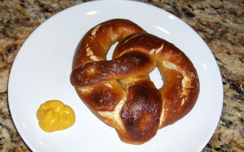 Becky Bakes, and cooks too!: Homemade Soft Pretzels