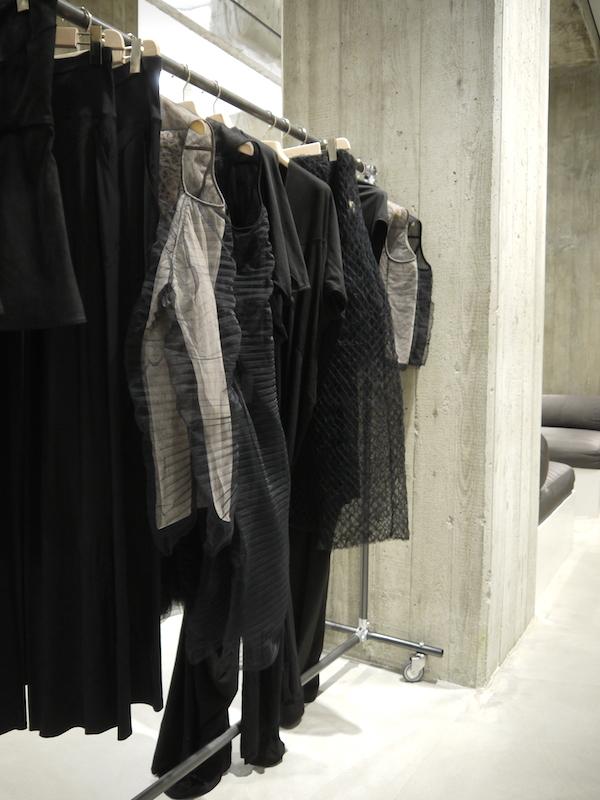Famoso vosgesparis: Rick Owens Fashion store | Milan ND76