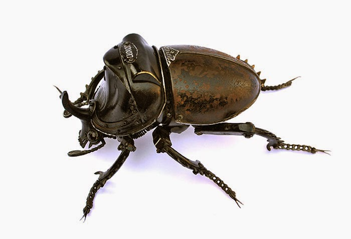 10-Rhinoceros-Beetle-Edouard-Martinet-Recycled-Sculpture-Wildlife-www-designstack-co
