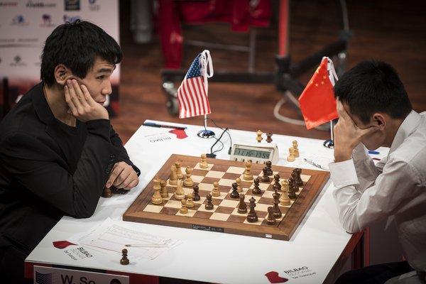 Wesley So 1-0 Ding Liren est à l'image du duel USA vs Chine, la nouvelle guerre froide des échecs. Ces deux joueurs seront certainement opposés aux prochaines olympiades d'échecs pour le titre - Photo © David Llada