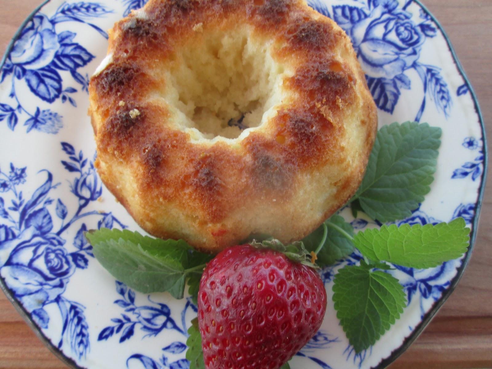 yogurt little cakes petit gateaux aux yogourt recetas de cocina. Black Bedroom Furniture Sets. Home Design Ideas